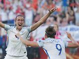 Spanien siegt bei Fußball-EM: Engländerinnen überrennen Schottinnen