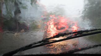 Starkregen zieht nach Osten weiter: Neue Gewitter stehen in den Startlöchern