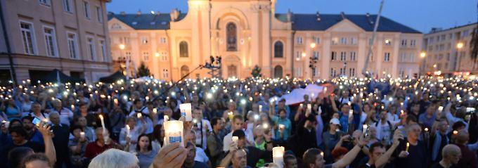 Präsident muss noch zustimmen: Auch Polens Senat stimmt für Justizreform