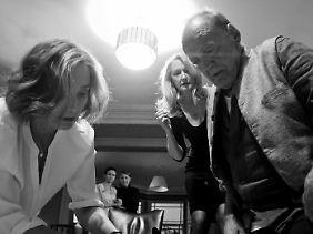 """Neben Kristin Scott Thomas und Patricia Clarkson gibt Bruno Ganz in """"The Party"""" den Esoteriker."""