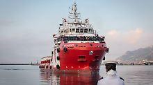 Strenge Regeln im Mittelmeer: Italien nimmt Seenotretter an die Leine