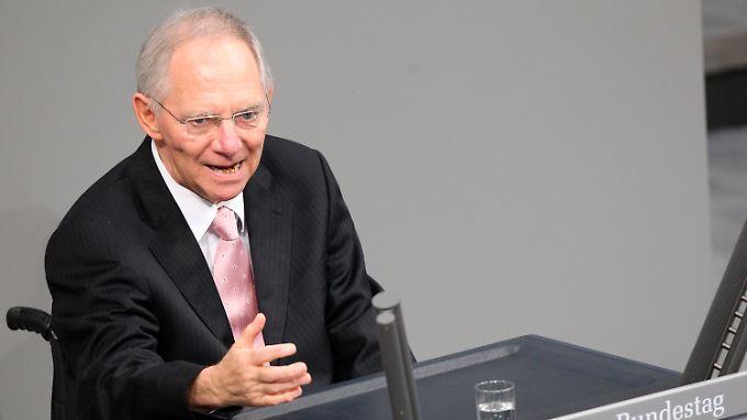 Wolfgang Schäuble verteidigt die Finanzhilfen für Irland.