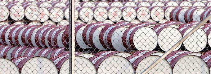 Wie die Opec in ihrem jüngsten Monatsbericht mitteilte, sank der tägliche Ausstoß um 0,24 Prozent auf 32,76 Millionen Barrel.