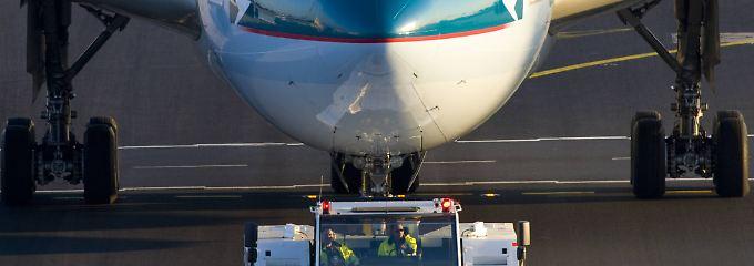 Gericht entscheidet pro Airline: Wenn die Zugmaschine den Flug verspätet