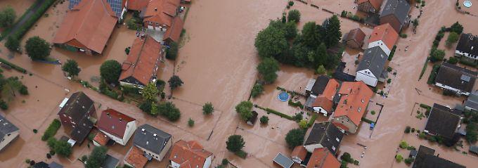 """Talsperre droht überzulaufen: """"Alfred"""" überflutet Deutschlands Mitte"""