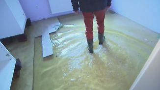 Anwohner fühlen sich im Stich gelassen: Wohngebiet in Berlin-Tegel steht seit Wochen unter Wasser