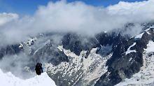 Flugzeugabstürze vor 50 Jahren: Mann findet Leichenteile am Mont Blanc