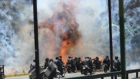 Mehrere Tote, viele Verletzte: Venezuelas Verfassungswahl versinkt in Gewalt