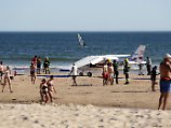 Der Tag: Pilot legt Notlandung am Strand hin - zwei Tote