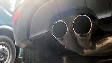 Bund vollzieht Wende: Autobauer sollen Dieselautos umrüsten