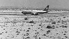 Nach einigen Zwischenstopps erreichte das Flugzeug (hier auf dem Flughafen von Dubai) Aden, die Hauptstadt des damaligen Südjemen. Da die Landebahn blockiert war, musste Kapitän Jürgen Schumann die Maschine im Sand notlanden.