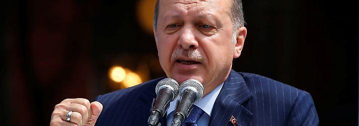 Terrorvorwürfe erneuert: Erdogan will Türkei moderner als Deutschland machen