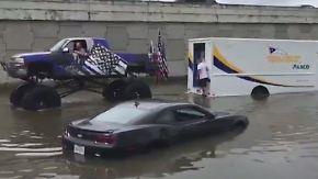 Kaum zu glauben, aber wahr: Monster-Truck-Fahrer trotzt Wassermassen in Texas