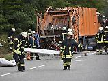 Fünf Menschen in Auto zermalmt: Ermittlungen zu Horrorunfall dauern länger