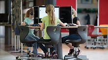 Trendthema Bildung: Lehrerverband glaubt Wahlversprechen nicht