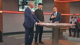 Mal emotional, mal knallhart: Schulz findet klare Worte in der RTL-Bürgersprechstunde