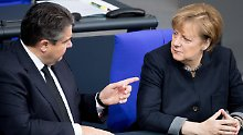 Unterwerfung unter Trump: Gabriel greift Merkel scharf an