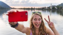 Von V-Zeichen bis Daumen hoch: Wie Urlauber im Ausland richtig gestikulieren