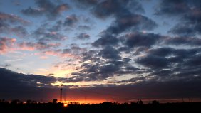 Teilsweise sonnig bis 27 Grad: Schauer und Gewitter im Osten lassen nach