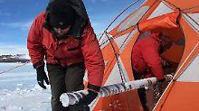 Klimaschnappschüsse im Bohrkern: Forscher ringen der Erde ältestes Eis ab