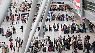 Sicherheitspersonal unterbesetzt: Düsseldorfer Flughafen kann Kontrollen nicht gewährleisten