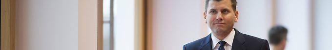 Der Tag: 15:16 AfD streitet Geheimdienstkontakte ab