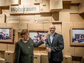 WG-Besichtigung mit Merkel und Tauber.