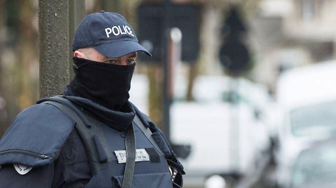 Umstrittenes Anti-Terror-Gesetz in Frankreich gebilligt