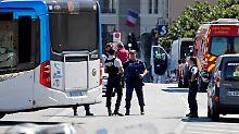 Kein Hinweis auf Terrorakt: Auto fährt in Marseille in Bushaltestellen