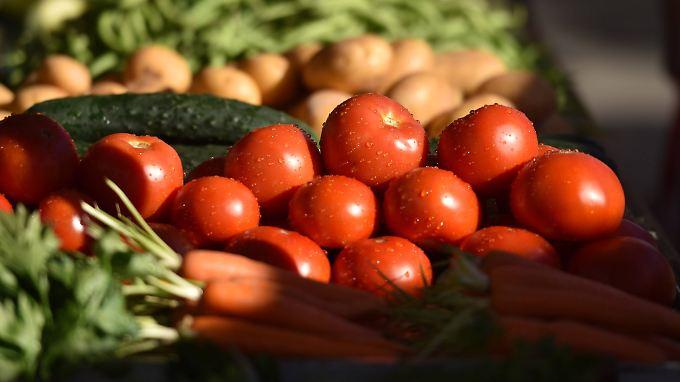 Leckerer Anblick: Gemüse-Stillleben mit Tomaten.