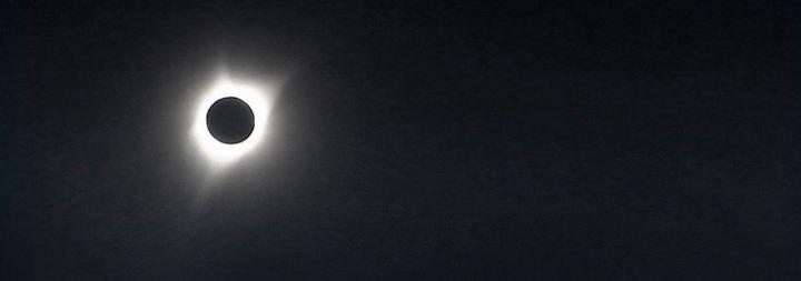 USA feiern Sonnenfinsternis: Der Mond knipst die Sonne aus