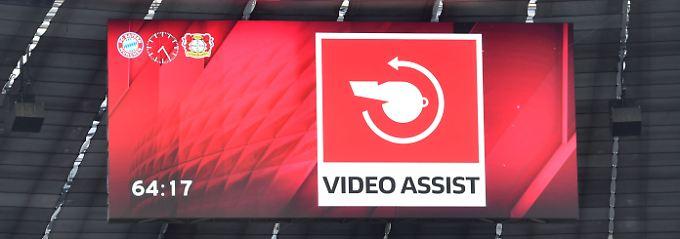 Was auch fehlt: Spannende Symbolfotos zum Thema Videobeweis.