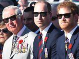 """""""Er war für uns da"""": William und Harry verteidigen Charles"""