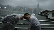 """Schwere Verwüstung in Südchina: Taifun """"Hato"""" fordert mehrere Todesopfer"""