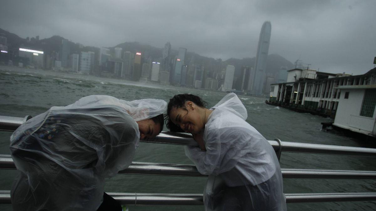 "Taifun ""Hato"" fordert mehrere Todesopfer"
