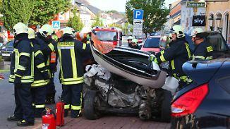 Tödlicher Unfall im Saarland: 26-Jähriger rast ungebremst durch Einkaufsstraße