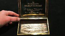 Aus dem Nachlass von Ruth Loah: Schmidts Zigarettenetui steht zur Auktion