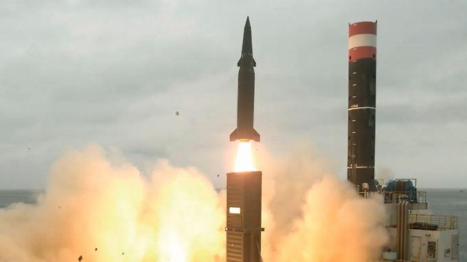 """""""Ernstzunehmende Bedrohung"""": Nordkoreanische Rakete fliegt über Japan"""