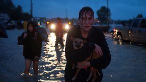 """Wassermassen im Süden der USA: """"Harvey"""" macht 30.000 Menschen obdachlos"""