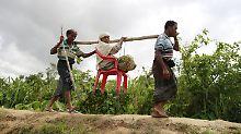 Uno warnt vor Katastrophe: Mehr als 70.000 Rohingya fliehen aus Myanmar