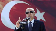 Mit Druck auf die türkische Wirtschaft will die EU Recep Erdogan von seinem autoritären Kurs abbringen.