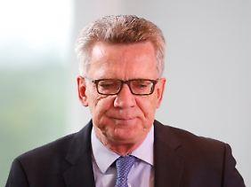 Thomas de Maizière setzt in der Asylpolitik auf Härte.