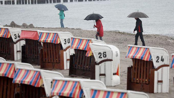 An der Ostsee ist es fast egal - so richtig prickelnd war der Sommer dort ohnehin nicht.