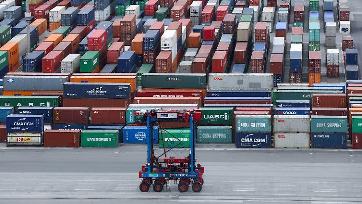 Waren im Wert von fast 1,3 Billionen Euro wird die deutsche Wirtschaft in diesem ins Ausland Jahr verkaufen.