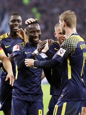 Der Mehrfachbelastung durch Liga, Pokal und Champions League begegnet RB Leipzig mit einem breiten Kader.