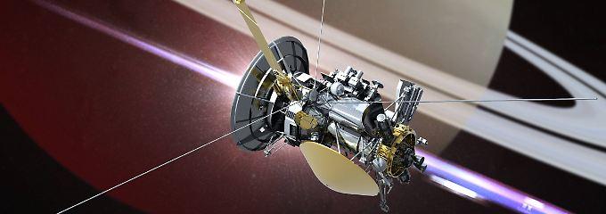 Zuletzt tauchte Cassini mehrmals zwischen dem Planeten und seinen Ringen hindurch - ein zunächst undenkbares Manöver.