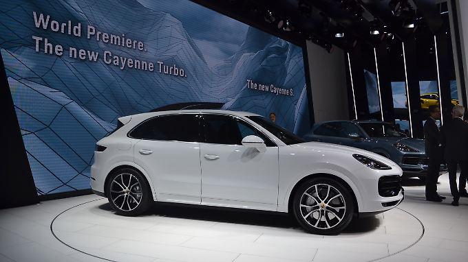 Mit dem Cayenne Turbo präsentiert Porsche auf der IAA die leistungsstärkste Variante seines SUV.