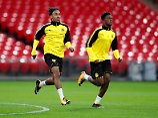 Warmlaufen in Wembley: Pierre-Emerick Aubameyang und Dan-Axel Zagadou.