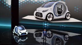 Mercedes-Chef Zetsche weiß, dass es neben der Autoproduktion noch andere wichtige Baustellen gibt.