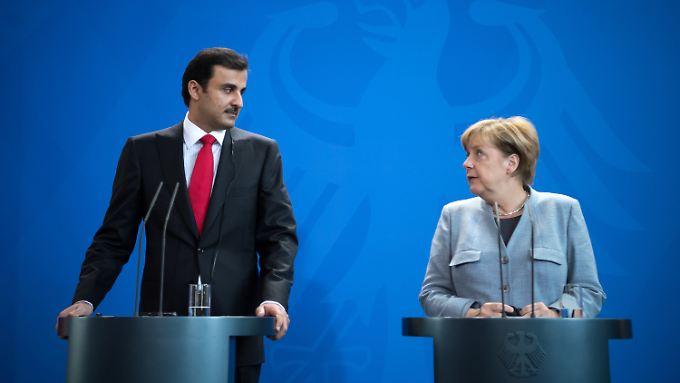 Der Emir von Katar, Scheich Tamim bin Hamad Al-Thani, hat Verständnis für die Krisen bei Volkswagen und Deutsche Bank.